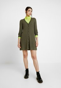American Eagle - BUTTON THROUGH WAFFLE DRESS - Jumper dress - olive - 1