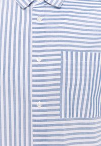 Only & Sons - ONSTRIPP LIFE STRIPED - Shirt - cashmere blue - 6