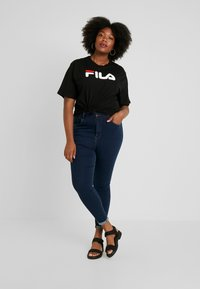 Fila Plus - PURE SHORT SLEEVE - T-shirt con stampa - black - 1
