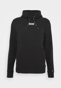 ESSENTIAL GRAPHIC HOODIE - Bluza z kapturem - black