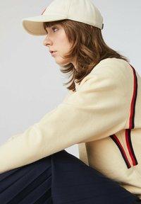 Lacoste - Sweatshirt - beige - 4