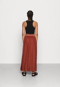 ONLY - Falda plisada - henna - 3