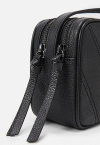 WEEKEND MaxMara - OTTOBRE - Across body bag - black - 5