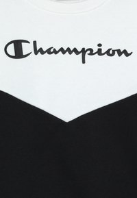 Champion - BASIC BLOCK CREWNECK - Bluza - white/black