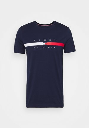 GLOBAL STRIPE CHEST TEE - Print T-shirt - yale navy