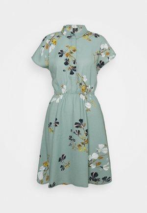 VMHALLIE - Shirt dress - green milieu/hallie
