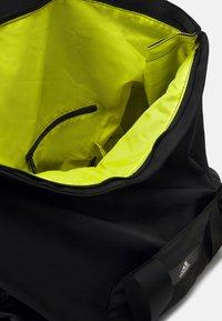 adidas Performance - Sportovní taška - black - 5
