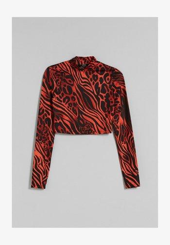 RÜCKENFREIES  - Långärmad tröja - red
