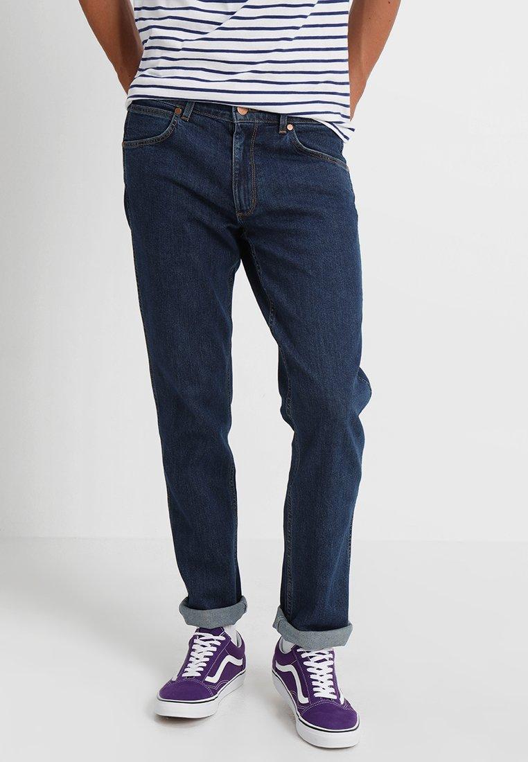 Wrangler - GREENSBORO - Jeans straight leg - darkstone