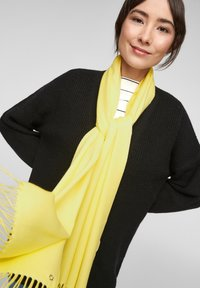 s.Oliver - Scarf - light yellow - 1