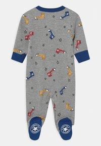 Converse - SNEAKER PRINTED FOOTED UNISEX - Sleep suit - dark grey heather - 1