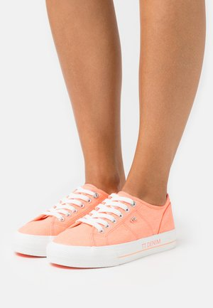 Sneakers basse - neon orange