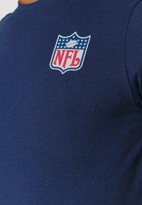 Fanatics - NFL TRUE CLASSICS SHIELD  - Triko spotiskem - navy - 6
