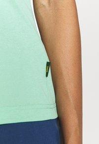 Jack Wolfskin - CROSSTRAIL WOMEN - Basic T-shirt - pacific green - 5