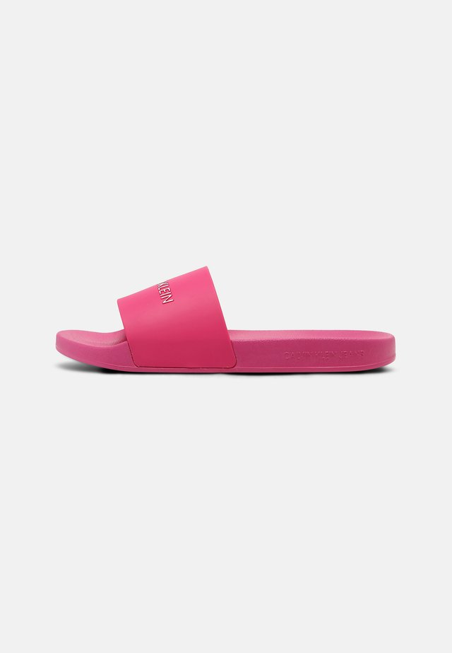 SLIDE INSTITUTIONAL - Pantofle - party pink