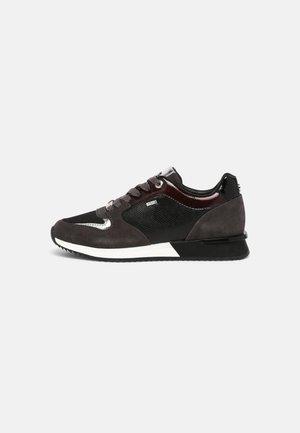 FLEUR - Trainers - black/burgundy