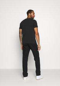 Nudie Jeans - ROY - T-shirt med print - black - 2