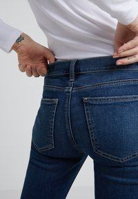 Current/Elliott - THE STILETTO - Jeans Skinny Fit - dark blue denim - 4