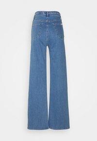 Calvin Klein Jeans - WIDE LEG - Široké džíny - denim medium - 8