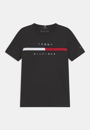 FLAG INSERT - Print T-shirt - black
