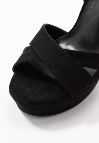 co wren wide fit - Sandaler med høye hæler - black - 2