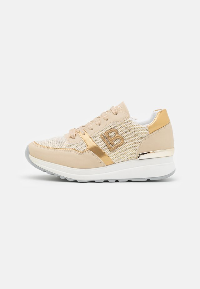 Trainers - bear beige