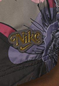 Nike Sportswear - Shorts - ironstone/black - 5