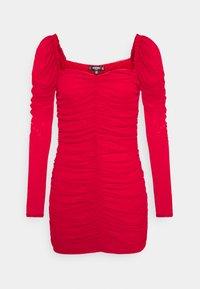 Missguided Petite - RUCHED MINI DRESS - Sukienka etui - red - 0
