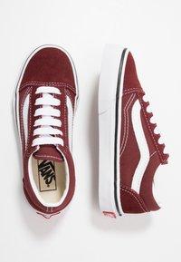 Vans - OLD SKOOL UNISEX - Sneakers basse - andorra/true white - 0
