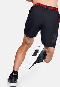 Under Armour - VANISH  - Sports shorts - black - 1