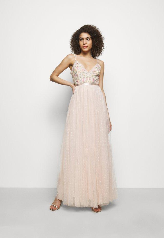 EMMA DITSY BODICE CAMI MAXI DRESS - Galajurk - strawberry icing