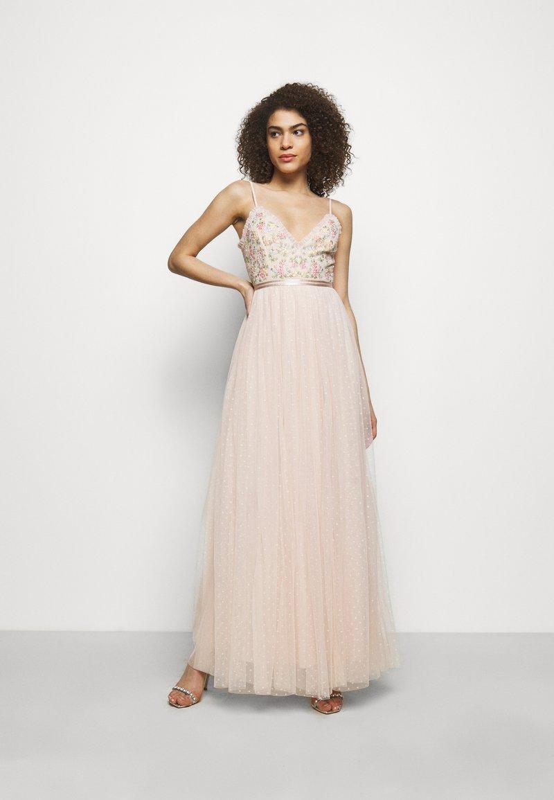 Needle & Thread - EMMA DITSY BODICE CAMI MAXI DRESS - Společenské šaty - strawberry icing