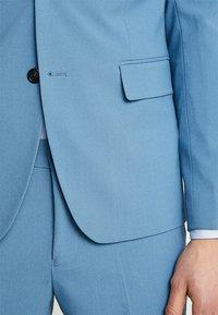 Lindbergh - Kostym - sky blue - 7