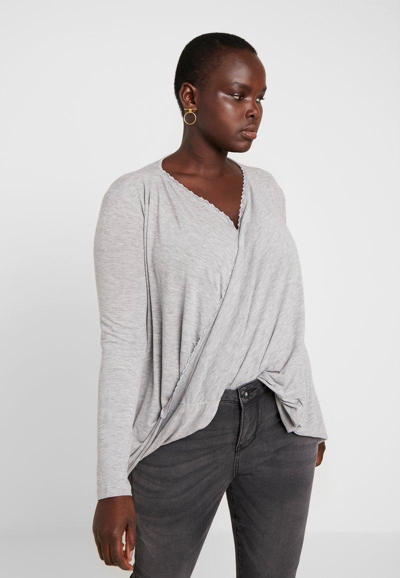 Vero Moda Curve - Camiseta estampada - light grey melange