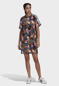 adidas Originals - DRESS - Vestito di maglina - multicolor - 1