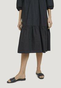 TOM TAILOR - Robe d'été - deep black - 3