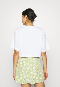 Gina Tricot - CLAIRE CROPPED TEE - T-paita - white - 2