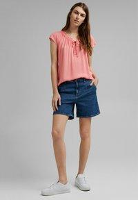 Esprit - BLOUSE - Print T-shirt - coral - 1