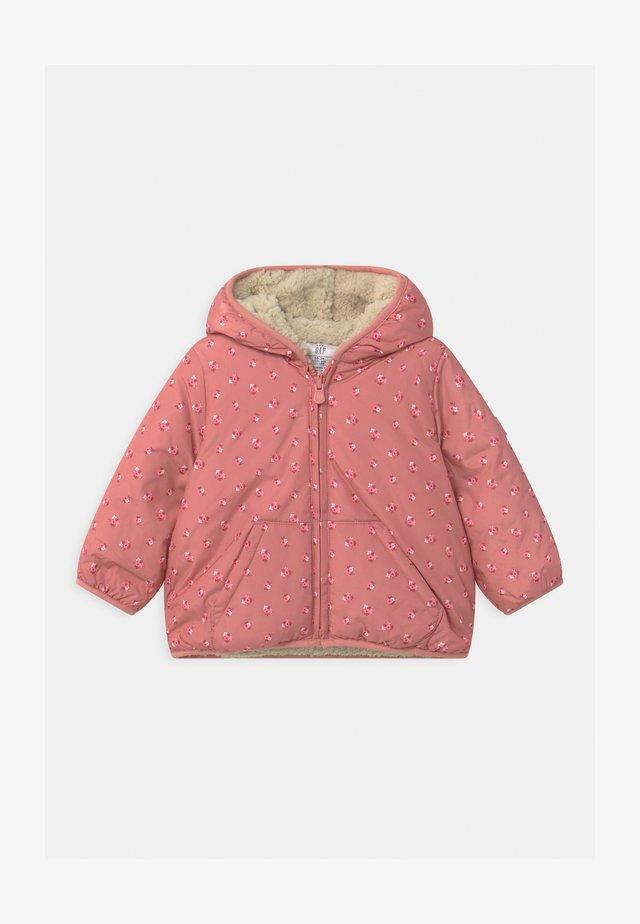 PUFFER - Zimní bunda - satiny pink