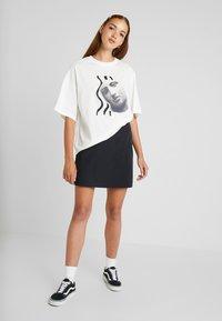 Monki - DAMALI  - Print T-shirt - white - 1