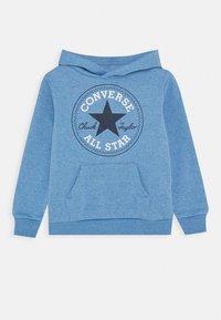 Converse - CHUCK PATCH HOODIE  - Mikina skapucí - coast heather - 0