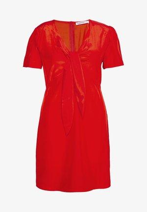 TIE FRONT SHIFT DRESS - Vestido informal - red orange
