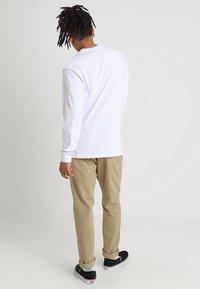 Vans - LONG SLEEVE - Long sleeved top - white/black - 2