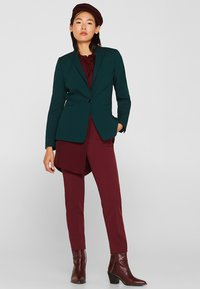 Esprit - IM STREIFEN-LOOK - Button-down blouse - garnet red - 1