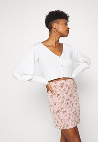 Missguided - BALLOON SLEEVE CROPPED CARDIGAN - Cardigan - white - 3