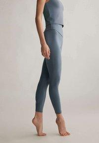 OYSHO - Leggings - blue - 2