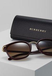 Burberry - Occhiali da sole - brown gradient - 3