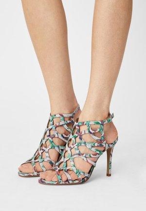 NITAYA CARIOCA - Sandals - blanc multi