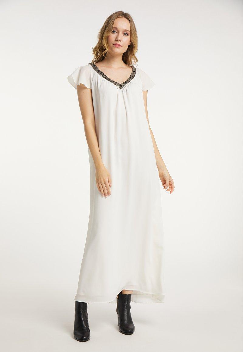 DreiMaster - Maxi dress - wollweiss