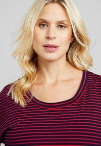 ohma! - NURSING STRIPES - Langærmede T-shirts - red/navy - 3